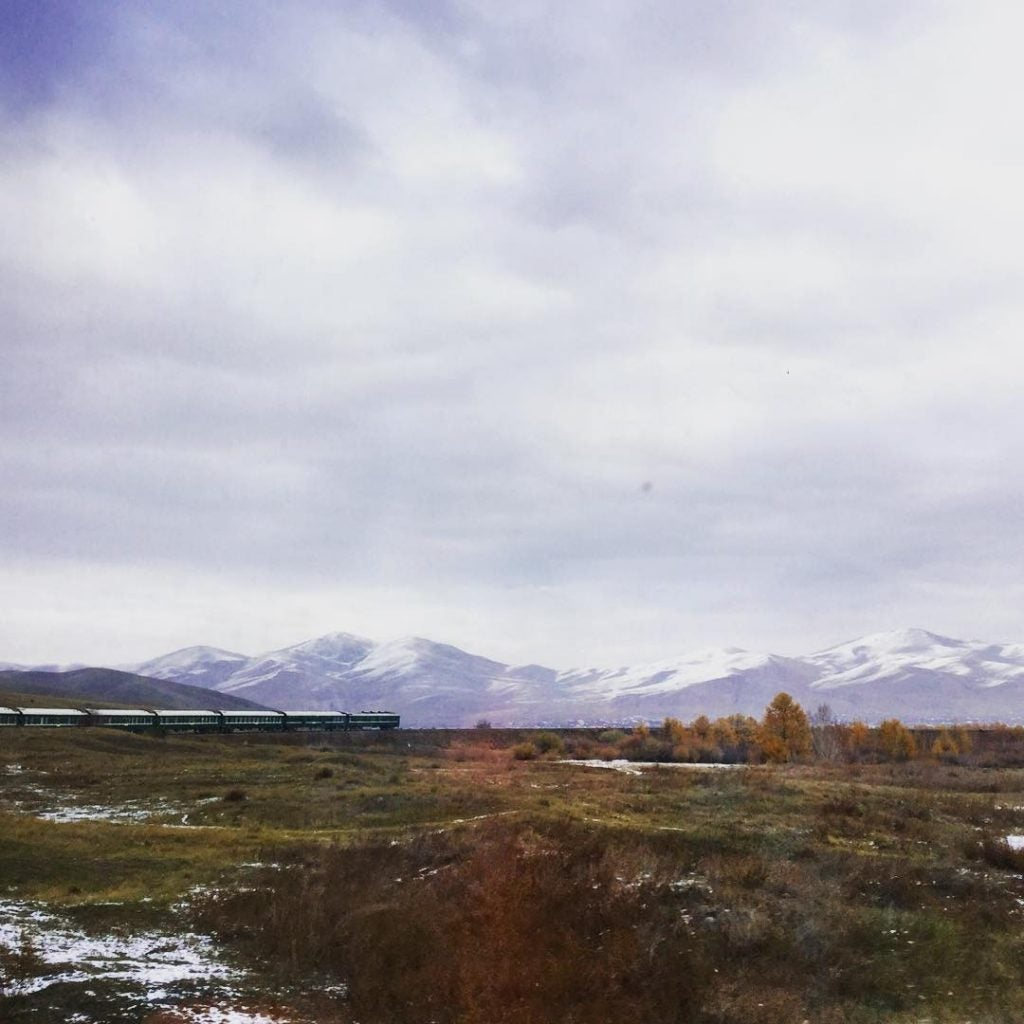 Vue du Transmongolien. @jodiecartwright1 / Instagram