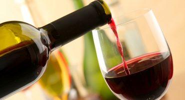 Dégustation de vin en avion: Quand low-cost rime avec haute qualité!