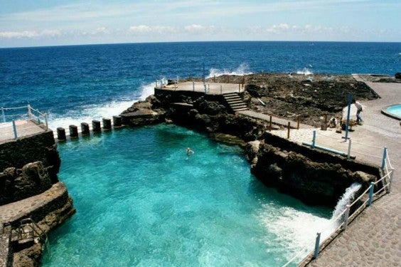 piscine-de-charco-azul-iles canaries - blog eDreams