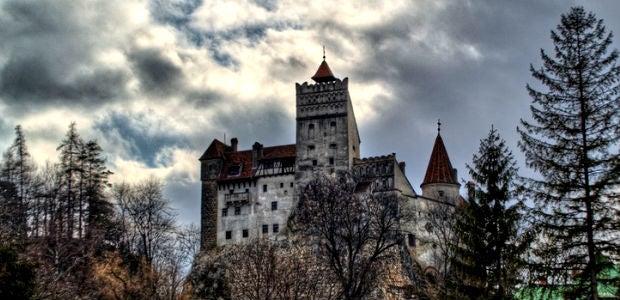 chateau dracula halloween