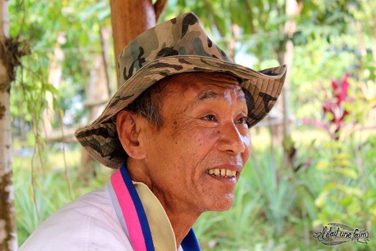 Mister Phosit et ses yeux bleu lagon - Laos