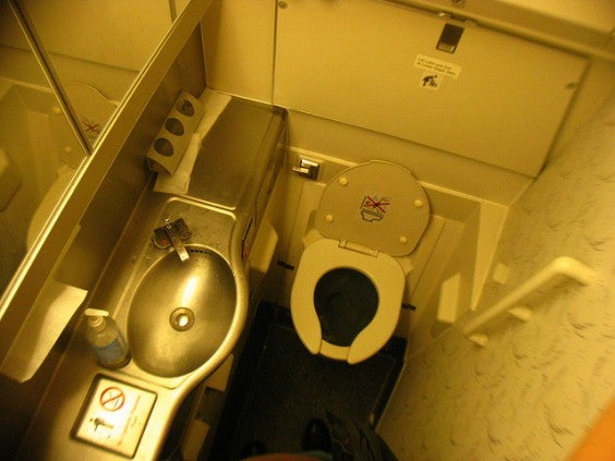 toilettes avion