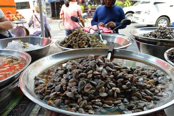 almejas en la Chinatown de Bangkok