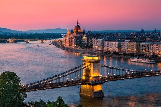 puesta de sol en budapest
