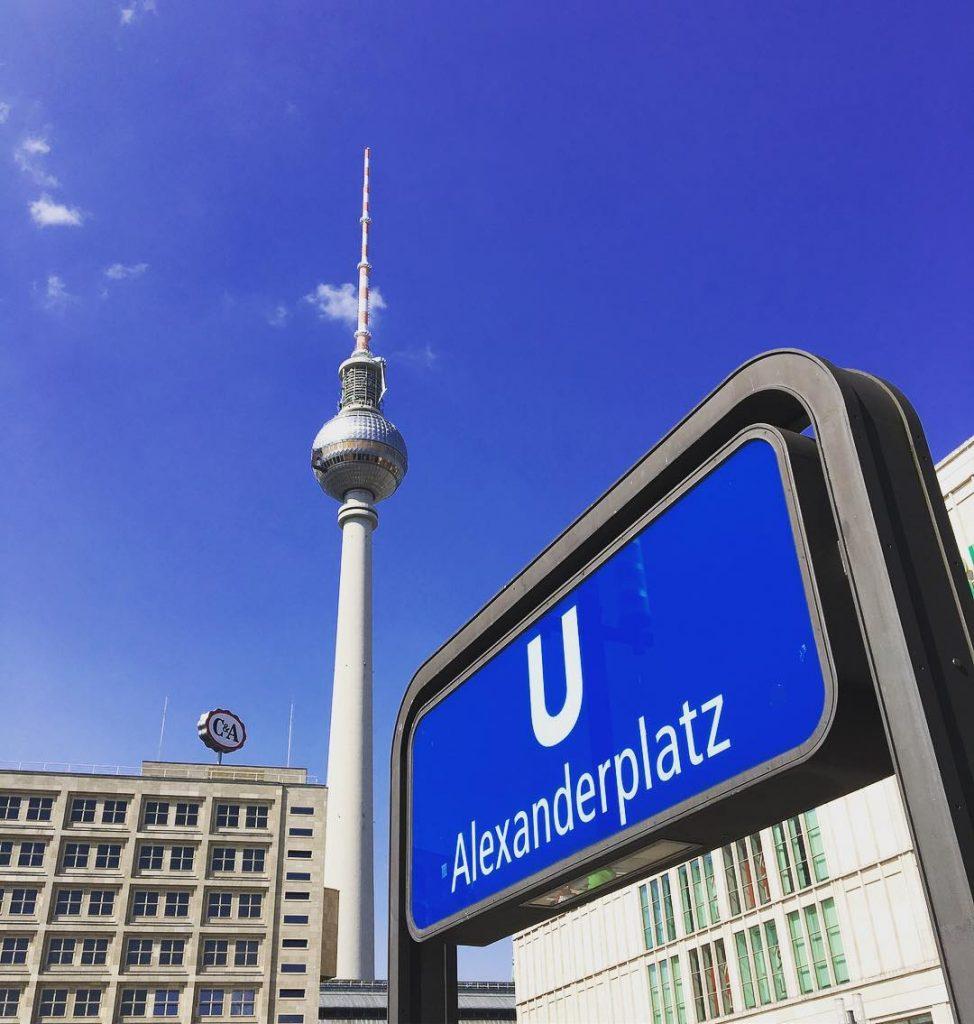tour de télévision de l'Alexanderplatz - Berlin