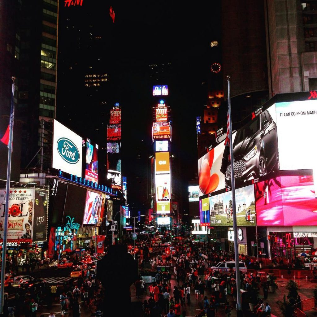 times square de nuit new york - blog eDreams