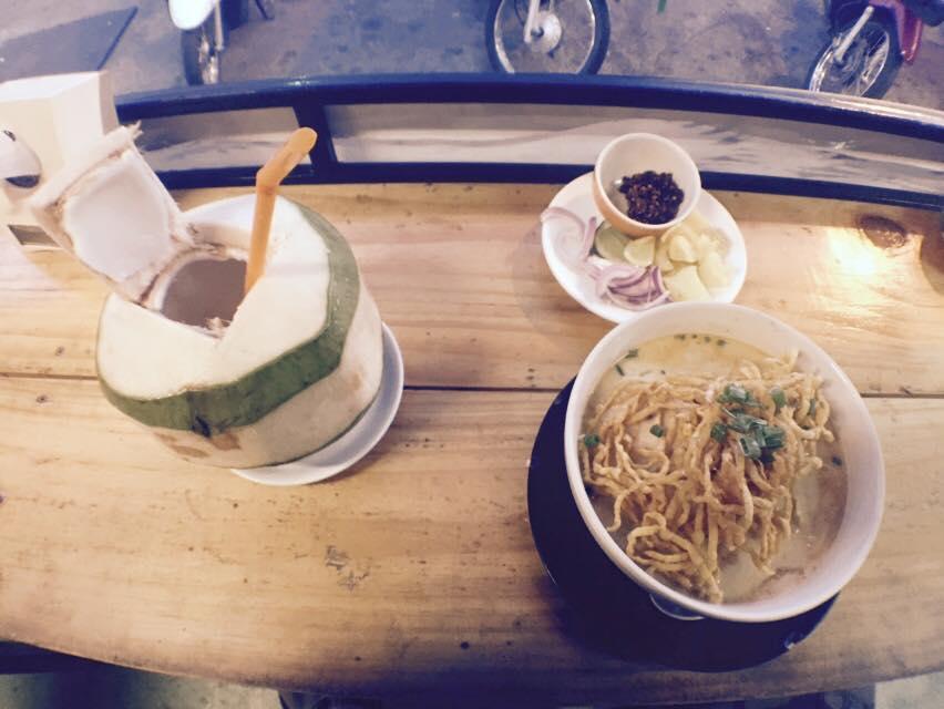 khao soi et noix de coco