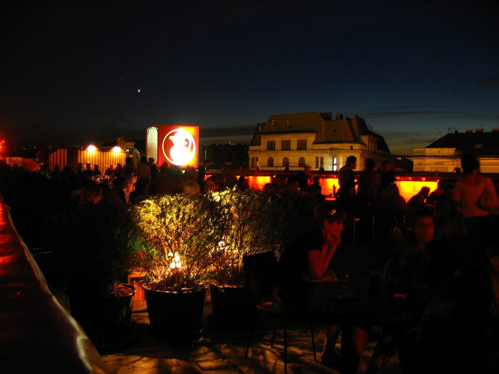 Corvin Teto nuit Budapest