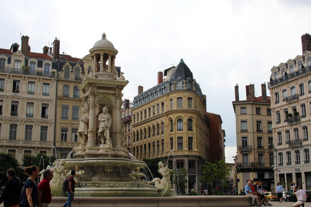 Place des Jacobins Lyon eDreams