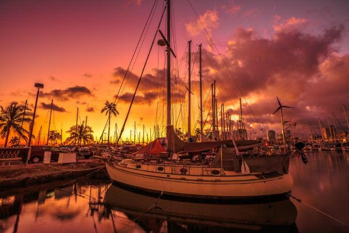 port bateau coucher de soleil honolulu - blog edreams
