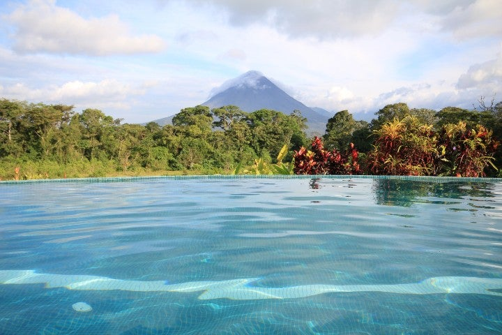 piscine volcan costa rica - blog edreams
