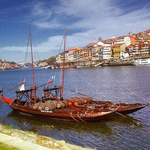 barque sur le fleuve de Porto - blog eDreams