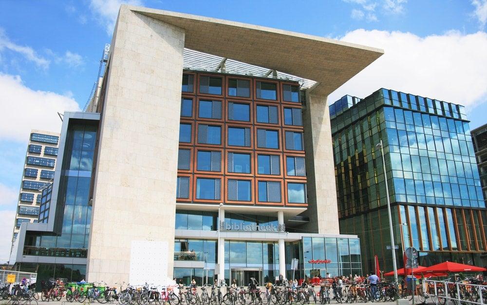 bibliothèque amsterdam - blog eDreams