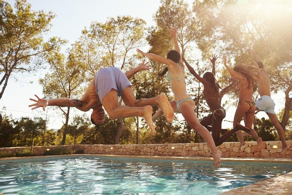 amis piscine été - blog Opodo